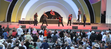 Naturally 7 at Playboy Jazz Festival